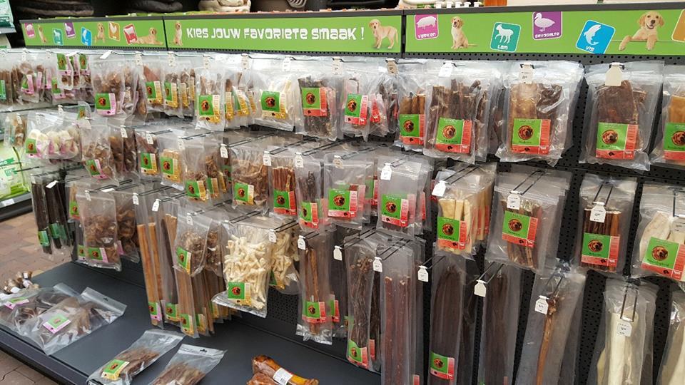 Alles voor uw hond, kat, knaagdier, vis en vogel bij onze dierenwinkel nabij Tiel